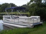 Highlight for Album: 2006 22 Foot Sunchaser Pontoon Boat.